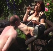Sklaven-Leck-Torture unter gl�hender Sonne
